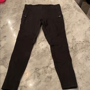 Lululemon Black 7/8 tights with zippers